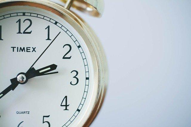Horloges murales : Un élément de décoration intérieure toujours d'actualité
