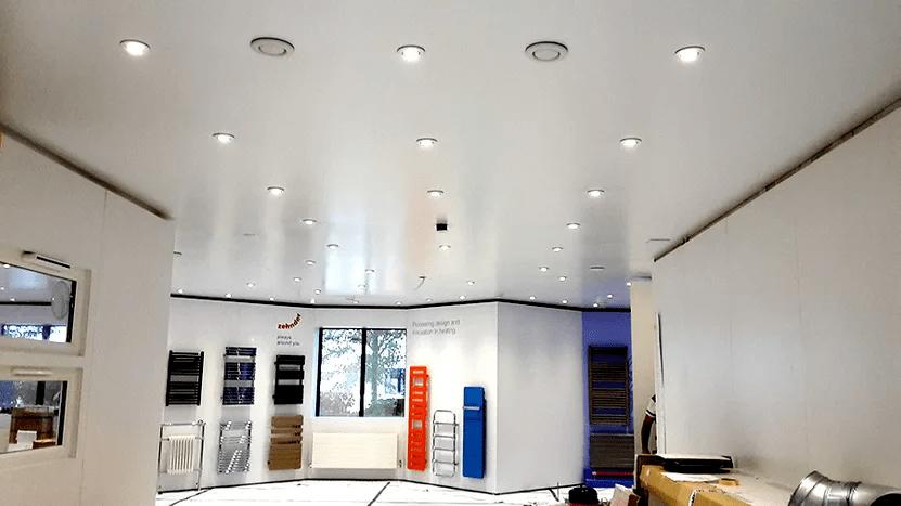 Comment installer un plafond tendu en 9 étapes faciles