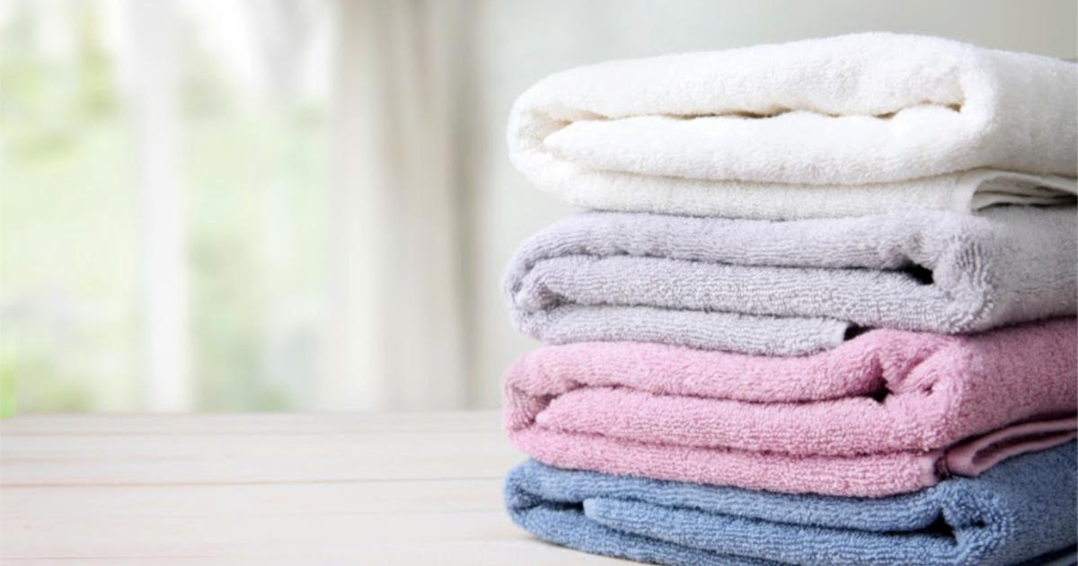 Comment laver et raviver les serviettes de la salle de bain