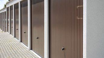 Portes de garage sectionnelles : Coûts, choix des matériaux et conseils d'installation